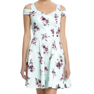 Hot Topic XXL Floral Fit and Flare Dress Pockets